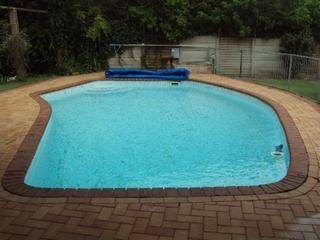 Step 1:Order the pool cover to cover the entire surface of the pool.